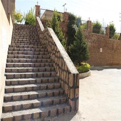 دومین پله سنگی در بلوار «فروردین جنوبی» شهر پردیس اجرا شد