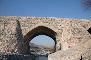 پل تاریخی شاهعباسی جاجرود در شهرستان پردیس