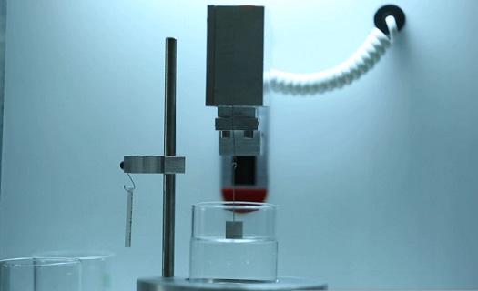 تولید دستگاه اندازهگیر زاویه تماس سطوح در پارک فناوری پردیس