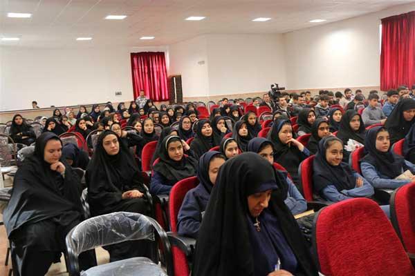 اعضای شورای دانش آموزی پردیس تجلیل شدند