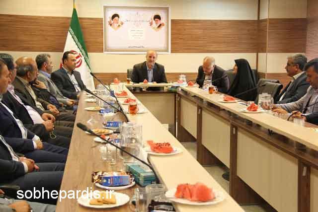 دیدار فرماندار پردیس با منتخبین مردم در شوراهای شهر پردیس و شهر بومهن