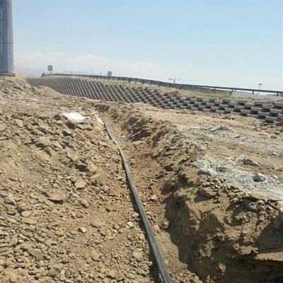 منبع ذخیره آب بوستان محله ای فاز ۲ شهر پردیس نصب شد/ حفر کانال انتقال آب در بوستان امام رضا(ع) پردیس