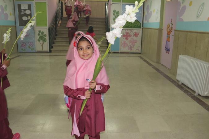 زنگ شکوفهها در مدارس پردیس نواخته شد + تصاویر