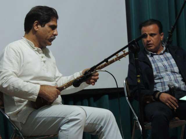 برنامه نقد موسیقی انجمن موسیقی شهرستان پردیس در فرهنگسرای مهر بومهن