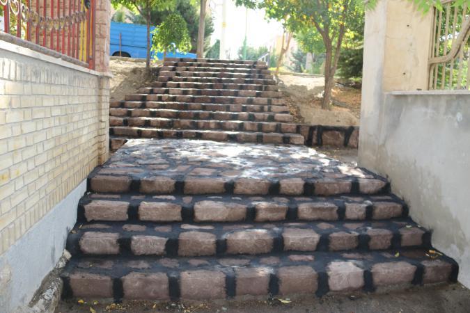 اجرای ۱۸۸۰ مترمربع پله سنگی در پردیس