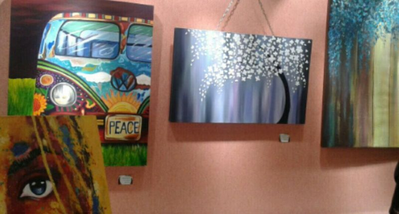برپایی نمایشگاه نقاشی «بوم سفید» در نگارخانه آوای شهر پردیس+فیلم
