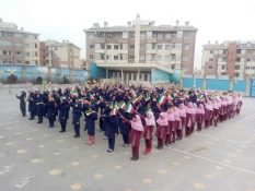 تجلیل از اعضای گروه سرود همگانی راهپیمایی ۲۲ بهمن در پردیس