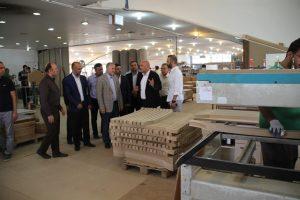 بازدید مسئولان از شرکت تولید مصنوعات چوبی بالسا جاجرود