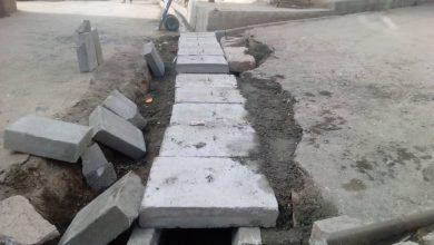 تصویر از اجرای عملیات تعویض جداول قدیمی و تعریض نهر در خیابان افزا بومهن