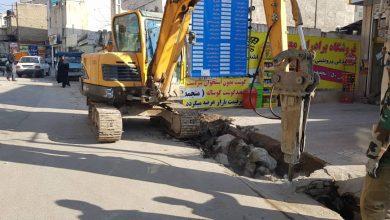 تصویر از عملیات تخریب و تعریض نهر حد فاصل کوچه معلم تا کوچه صاحب الزمان(ع) بومهن